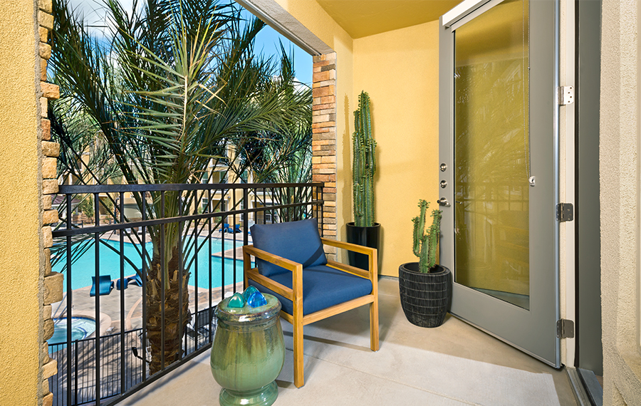District at biltmore apartments phoenix arizona for Balcony features
