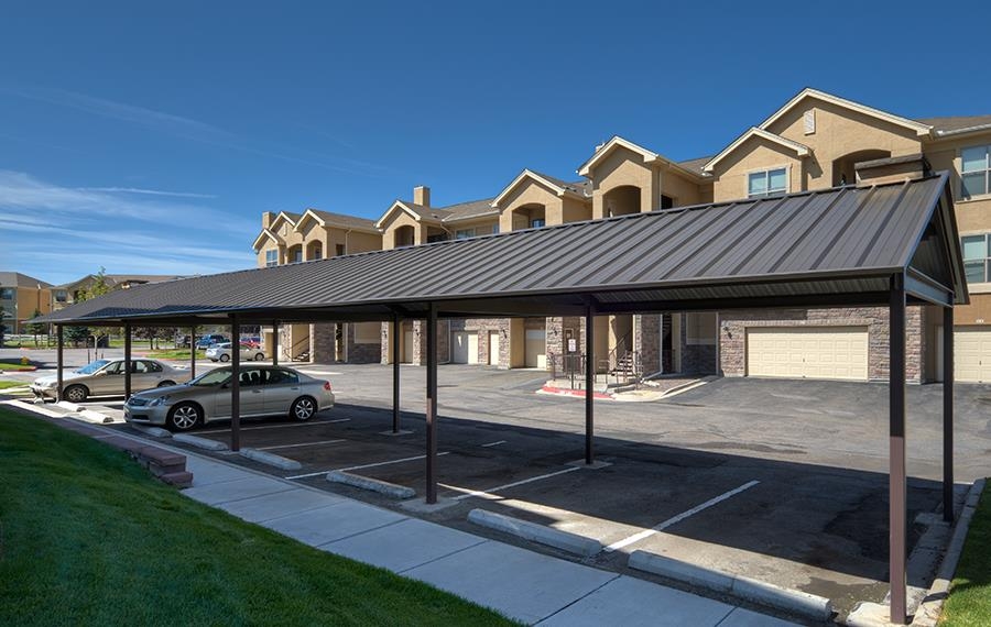 Apartment features cherry creek school district for Carport apartment