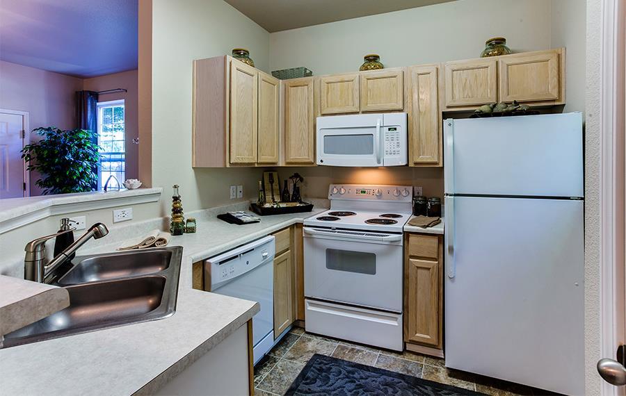Lake Oswego Apartments For Rent   Cascade Summit   Kitchens