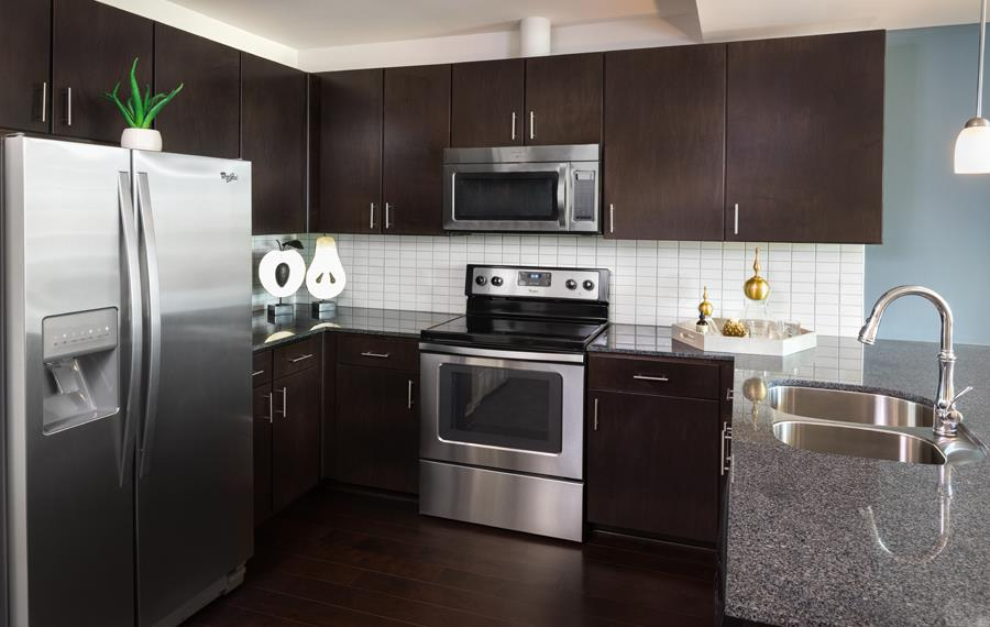 Apartment Features | Victory Park Dallas, TX Apartments | SkyHouse ...