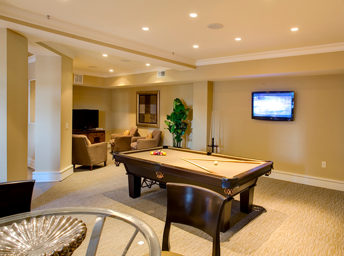 Gramercy Square At Ayrsley Resident lounge with billiards table Charlotte NC - Berewick
