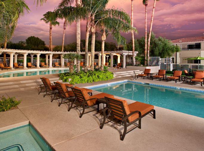 Scottsdale Quarter apartments for rent near Mayo Clinic - San Carlos Outdoor swimming pool