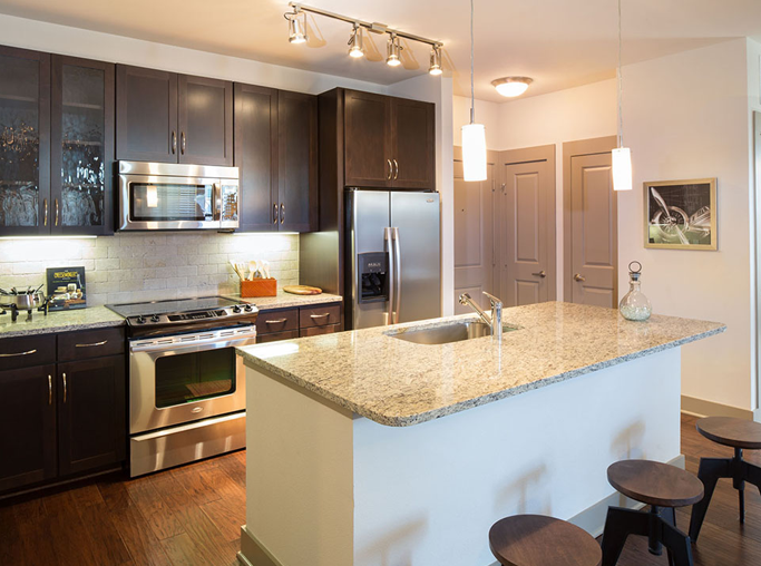 StoneLedge Apartments - Modern kitchen - DFW Airport Apartments in Grapevine, TX