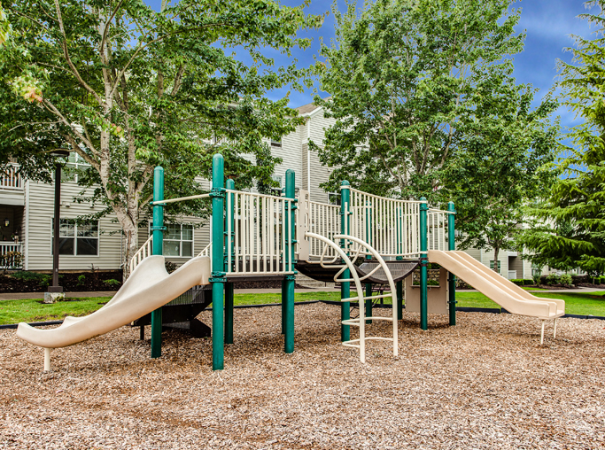 Tanasbourne Apartments in Beaverton, OR - Quatama Crossing playground