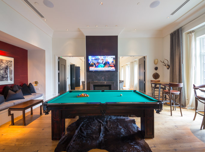 Lenox apartments for rent near Spanx - The Residence Buckhead Atlanta game room