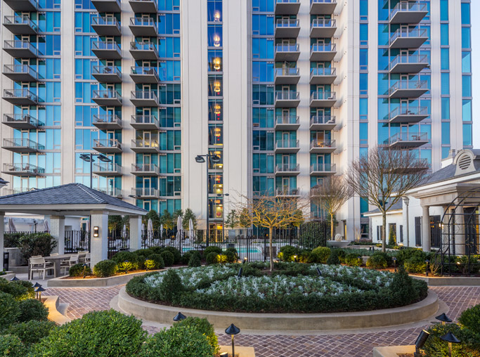 West Paces Road apartments in Midtown - The Residence Buckhead Atlanta exterior