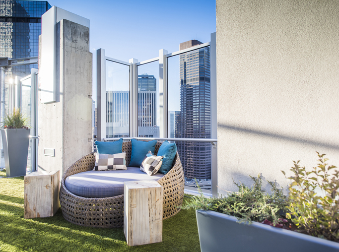 Apartments for rent in the Central Business District - SkyHouse Denver terrace