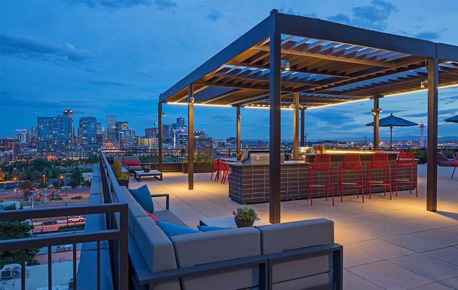 Apartments in LoHi - Studio LoHi - Rooftop Lounge