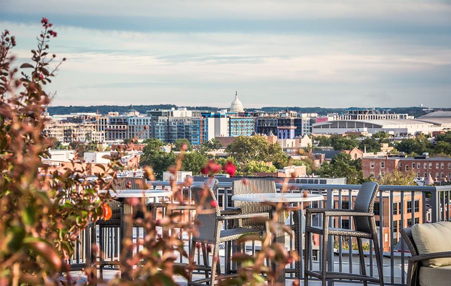 14W Apartments - Apartments in DC - Rooftop Lounge