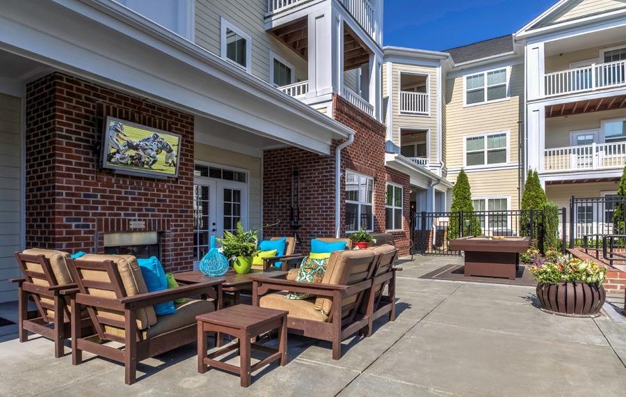 Research Triangle Park Apartments - Chancery Village - Outdoor Lounge