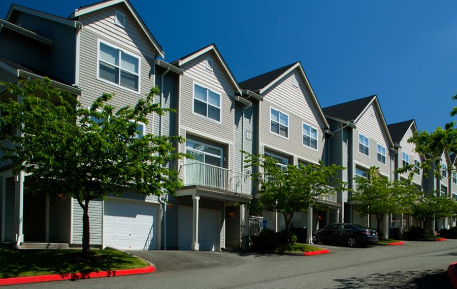 Issaquah apartments near Bellevue College - The Timbers at Issaquah Ridge Garage Parking