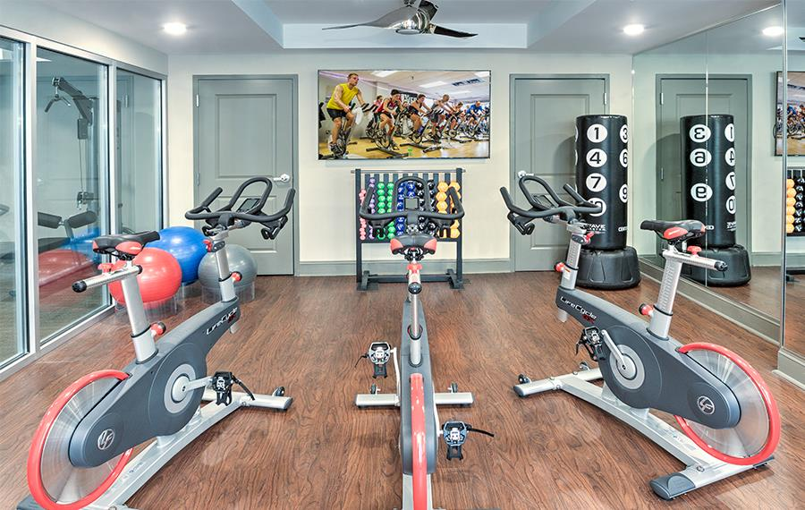 SouthPark apartments for rent - The Encore SouthPark - Yoga / Spin Studio