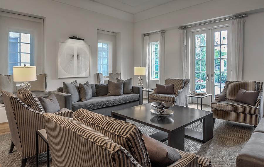 Luxury Apartments Buckhead - The Residence Buckhead Atlanta - Living Room