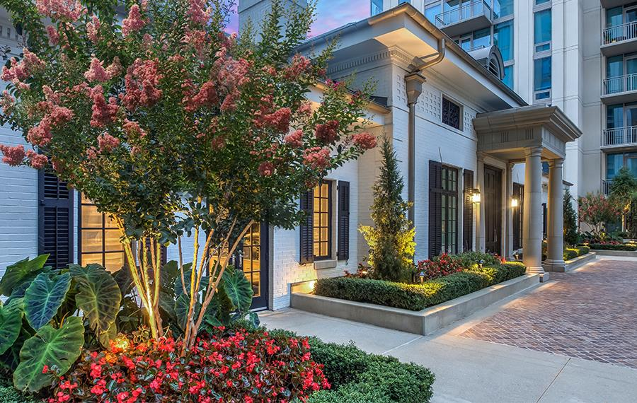 Best Apartments in Atlanta - The Residence Buckhead Atlanta - Amenity Building