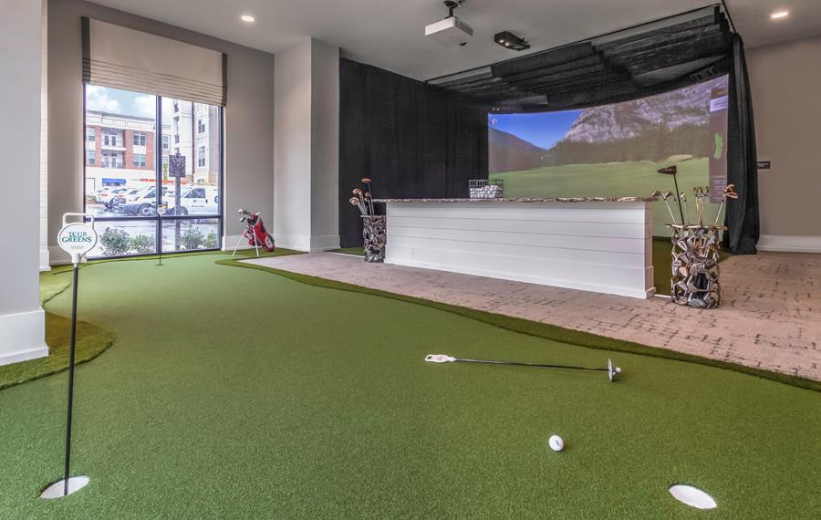 Apartments in South Charlotte - The Links Rea Farms - Golf Simulator