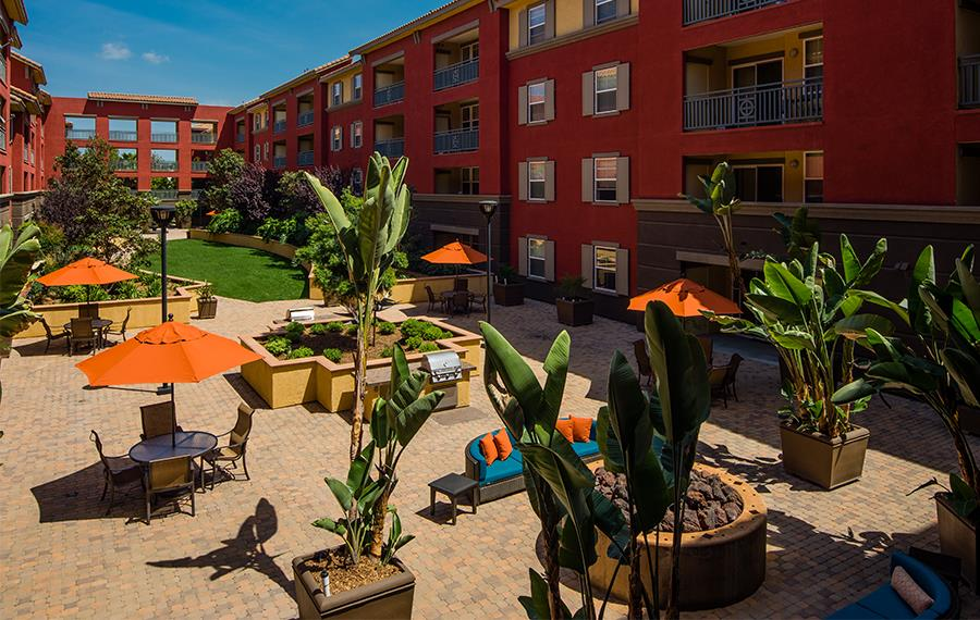 Apartments for rent in the San Diego Unified School District - Mira Bella Courtyards