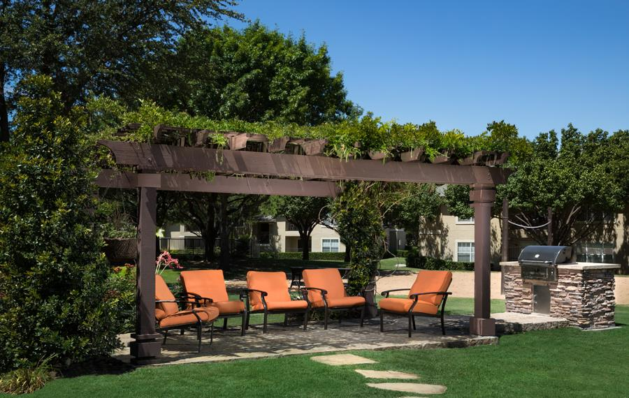 Montelena - Grapevine, TX - outdoor lounge