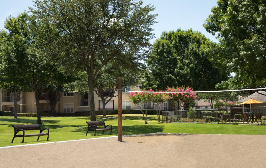 Montelena - Grapevine, TX - volleyball court
