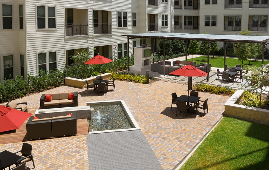 Apartments for rent in energy corridor houston tx - District at Memorial courtyard
