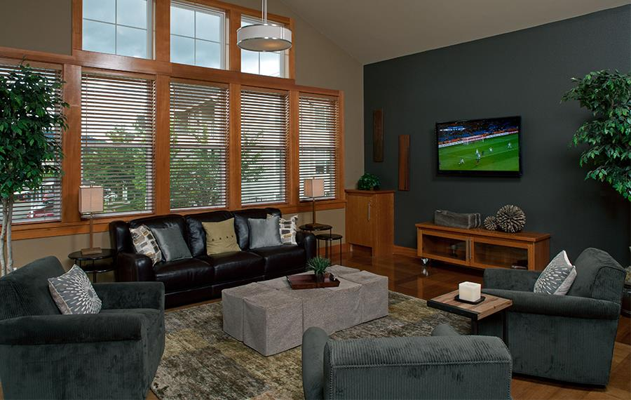 Gilman apartments near Boeing - The Timbers at Issaquah Ridge Resident Lounge