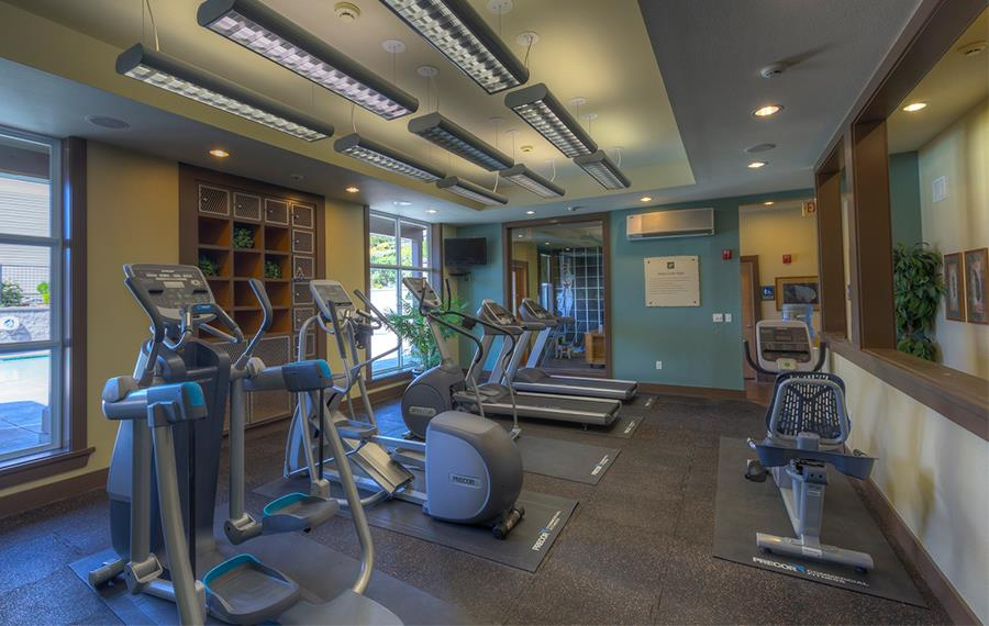 The Highlands apartments near Bellevue College - The Timbers at Issaquah Ridge fitness center