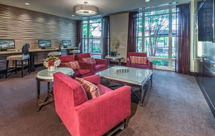 Vienna apartments near Capital One - The Reserve at Tysons Corner - Business Center