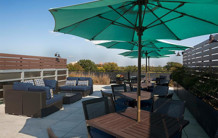 Apartments for rent in Arlington VA near Nestle Corporate Office - Zoso Flats - Rooftop Deck