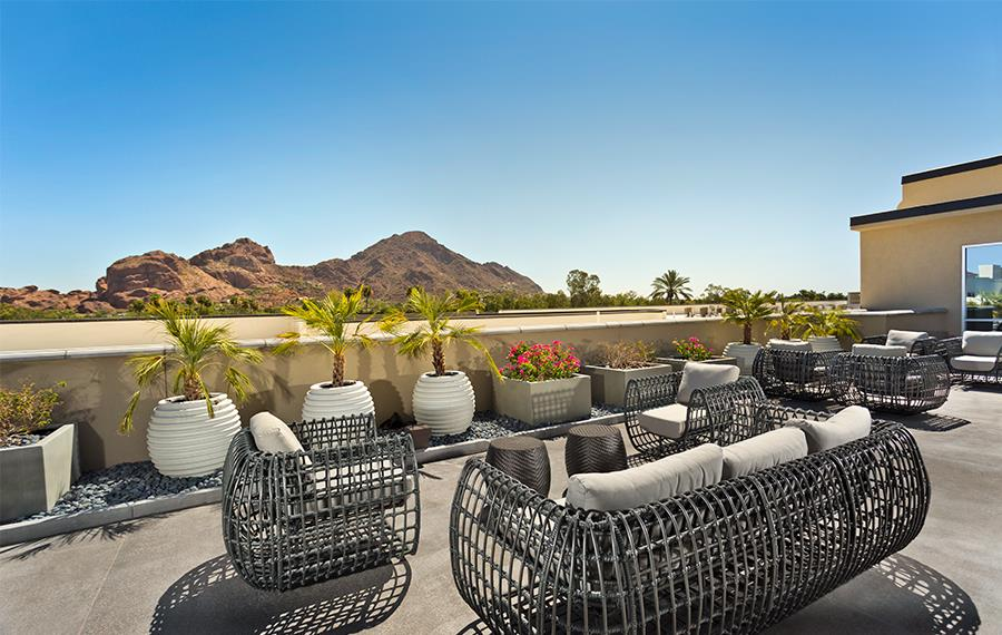 Apartments on Camelback - Citrine - Rooftop Deck