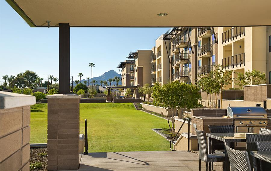 1 bedroom apartments in Phoenix AZ - Citrine Apartments - Community Park