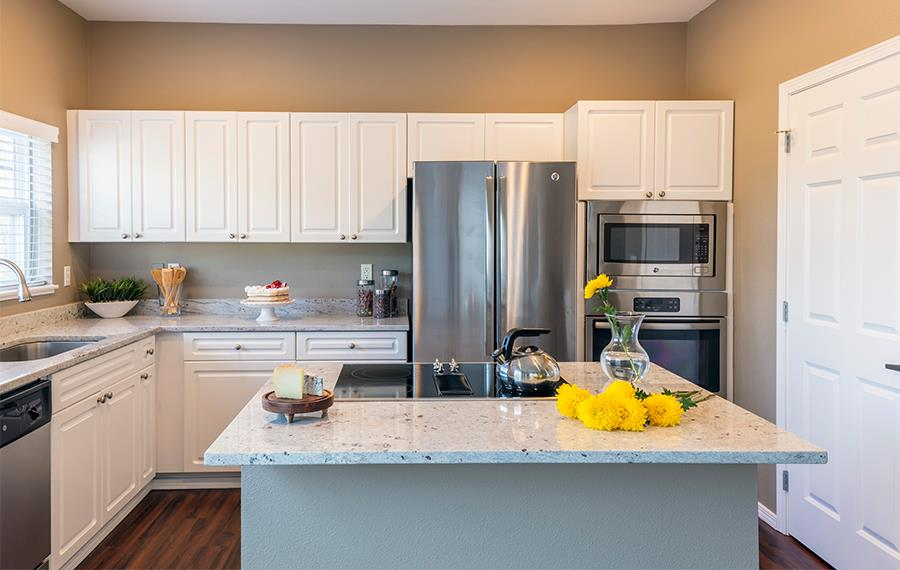 Boulder Creek apartments in the Sammamish School District - Brand New Interiors