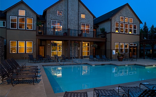 Front Street apartments near Cosco - The Timbers at Issaquah Ridge Outdoor pool and spa with large sun deck