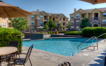 Coyote Ranch Outdoor Swimming pool Aurora CO - Southeast Aurora