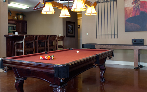 Round Rock apartments in Austin - The Ranch Apartments Clubhouse with billiards table