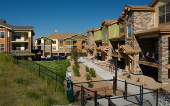 Southlands apartments in Aurora - The Sanctuary At Tallyn's Reach Fenced in dog park