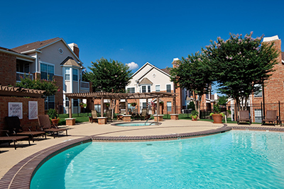 McDermott Place Apartments and Townhomes -  Resort style swimming pool - Plano, TX Apartments