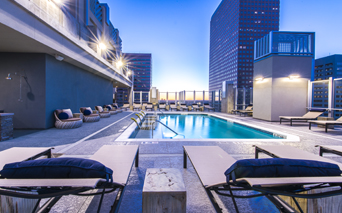 SkyHouse Denver Rooftop resort style pool Denver CO - Downtown