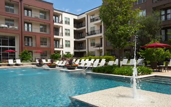 Strata Apartments - Resort style swimming pool - M Streets Apartments Dallas