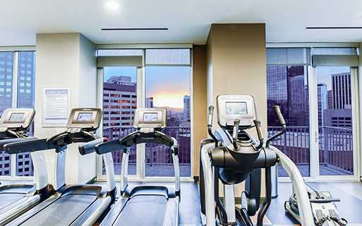Uptown apartments for rent in Denver - SkyHouse Denver Rooftop fitness center and yoga studio
