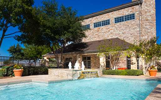 Villas At Stonebridge Ranch - Swimming pool - McKinney ISD Apartments