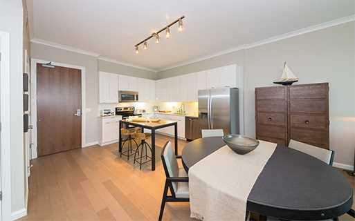 Shops at Buckhead apartments in Atlanta - The Residence Buckhead Atlanta kitchen