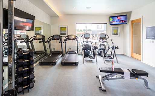 Elmonica MAX Station Apartments For Rent near Nike - Victory Flats Fully equipped fitness center