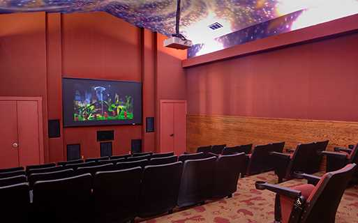 Settlers Ridge apartments for rent in Tech Ridge - Resident movie theater
