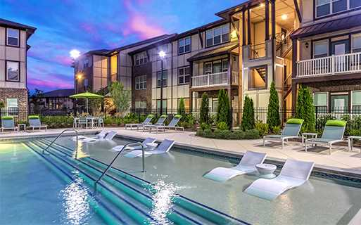 Apartments in Gwinnett County, GA - Artisan Station Apartments Pool
