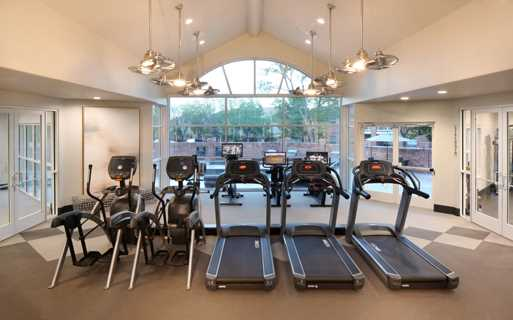 Carriage Place Fully equipped fitness center Denver CO - greenwood village apartments centennial co
