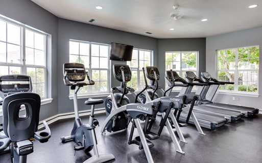 Tanasbourne apartments for rent near Poynter Middle School - Quatama Crossing Fitness Center