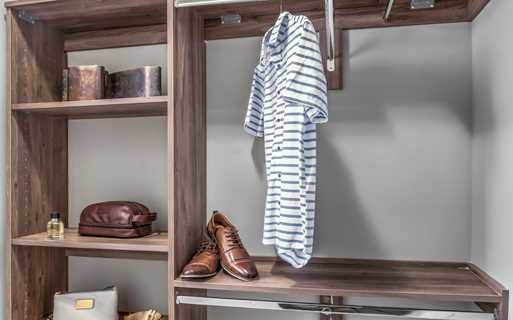 Charlotte Apartments near Ballantyne - The Links Rea Farms - Custom Closets
