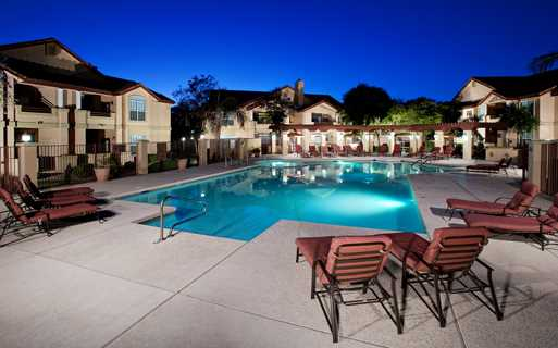 Mesa Gateway apartments for rent in Chandler, Arizona - Coronado Crossing Outdoor swimming pool with sundeck and BBQ grills