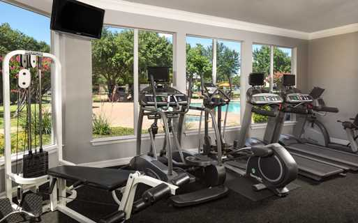 Montelena Apartments - Fitness Center - Apartments near DFW Airport