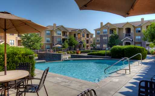 Southeast Aurora apartments for rent - Coyote Ranch Outdoor Swimming pool
