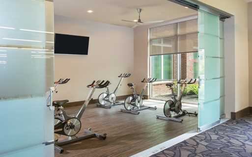 District at Washington Fitness center with yoga spin studio Houston TX - apartments near tc jester